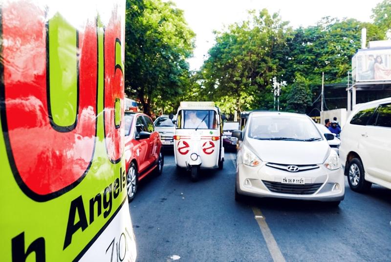 Rijden door India in een rickshaw