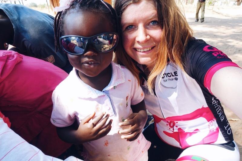 Cycle for Plan | Van ziekenhuis bezoek tot Mosi proosten