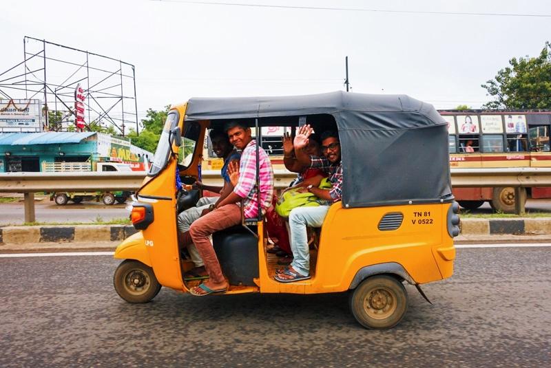 Rijden in een Riksja door India