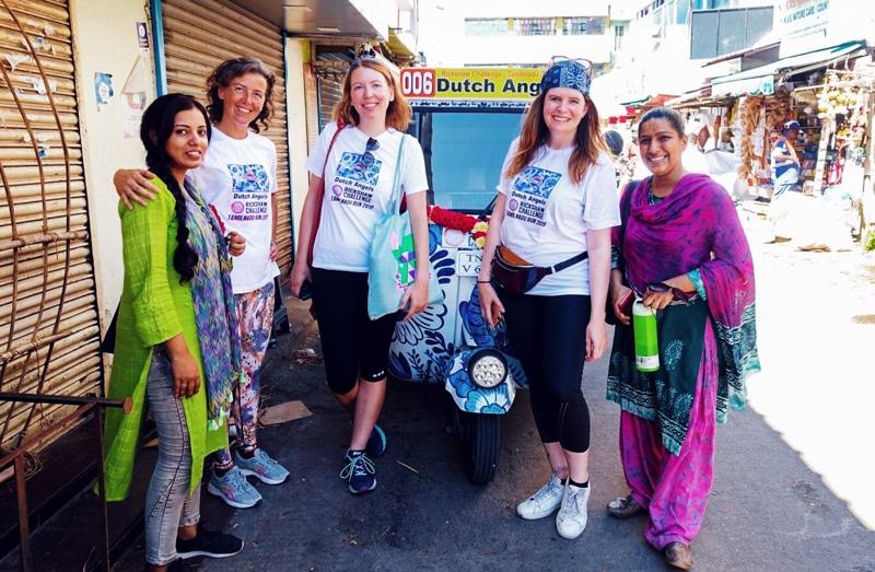 Rijden in een rickshaw door zuid-india