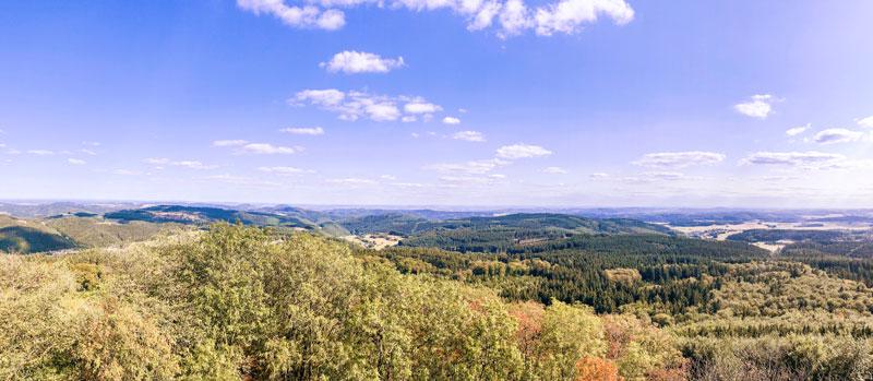 Uitzicht vanuit de Kaiser Wilhelmtoren op de Hohe Acht