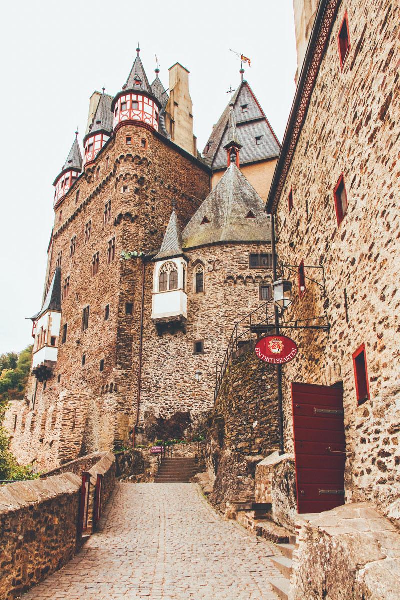 Binnenkomst Burg Eltz