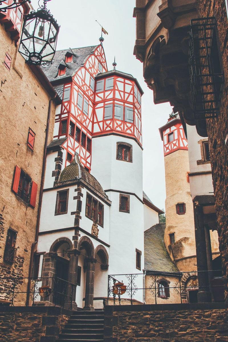 Binnenplaats Burg Eltz