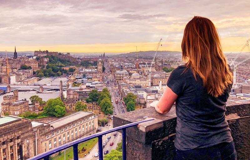 Uitzicht vanaf de Nelson Monument op Calton Hill in Edinburgh