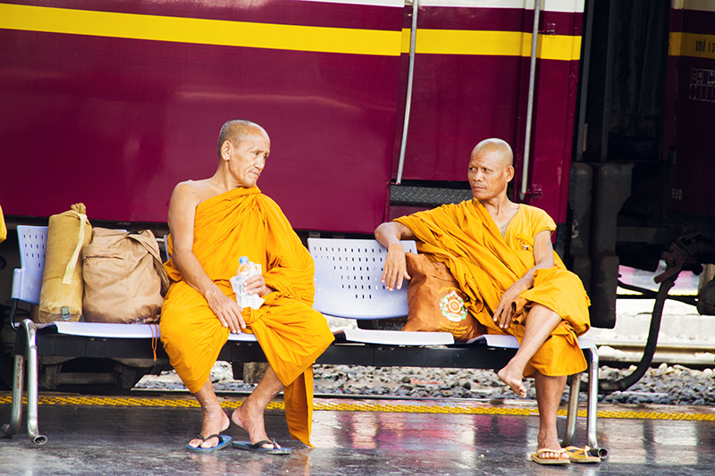 Monniken in Bangkok, Co van Kessel, Fietsen in Bangkok