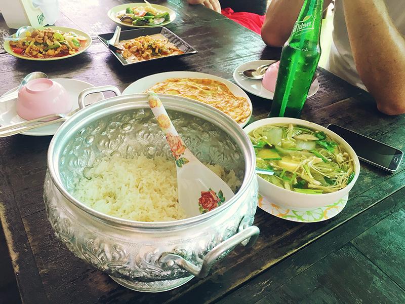 Lunchen op z'n Thais, Co van Kessel, Fietsen in Bangkok