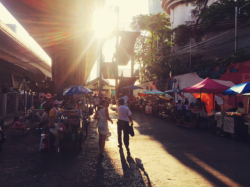 Co van Kessel, Fietsen door Bangkok