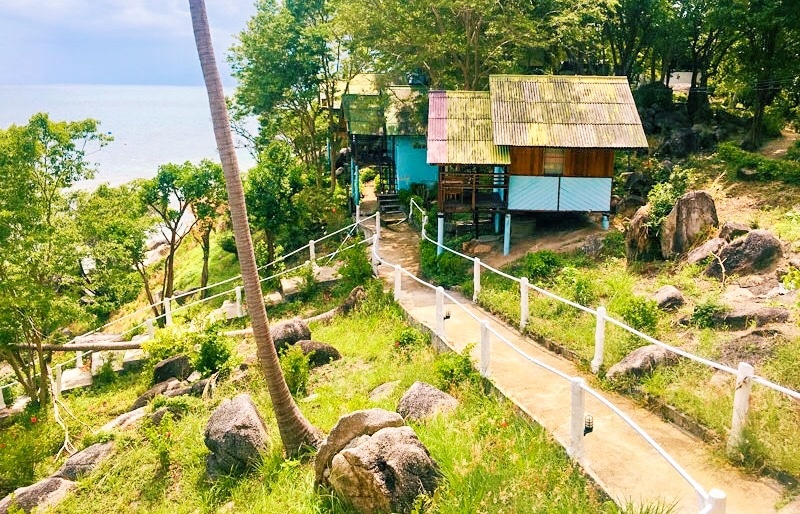 Trail to John Suwan Viewpoint on Koh Tao