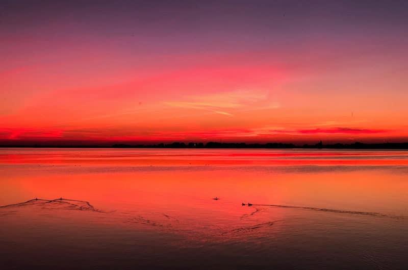 Zonsondergang aan de haven van Marken