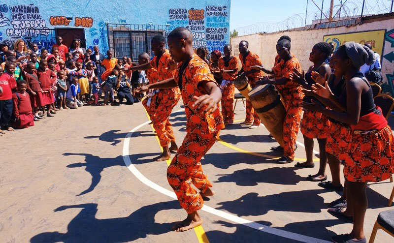 oranje, lusaka, zambia, lusaka zambia, afrikaanse dans, oranje kledingdracht,
