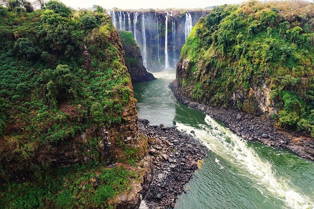 Victoria Falls Bridge: een stuk niemandsland tussen Zambia en Zimbabwe