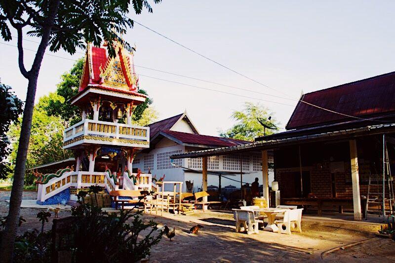 Tempel net buiten Khao Yai National Park