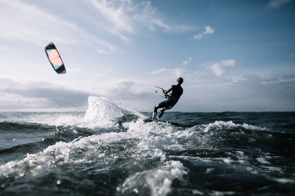 Watersportactiviteiten in Nederland kite surfen