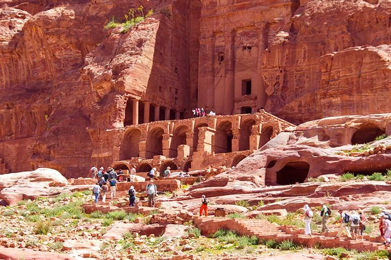 Bezoek brengen aan Petra in Jordanië
