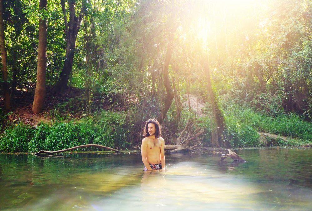 Zwemmen in Thaise jungle van Khao Yai National Park