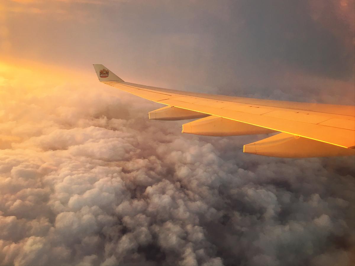 Zonsondergang, zonsondergang vanuit het vliegtuig, zon, vliegtuig