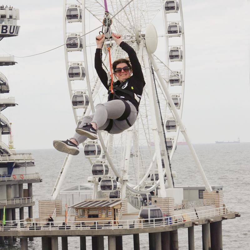 ziplin, ziplinen, zipline holland, zipholland, ziplinen in nederland, zipline nederland, zipline scheveningen, scheveningen, bucket list, bucket list ziplinen,